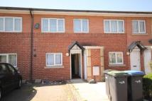 3 bedroom home in Buxton Close, London