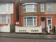 Flat to rent in Albert Road...