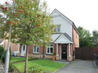 2 bed semi detached house in Linshiels Grove...