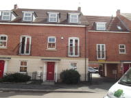 4 bed Town House to rent in Griffiths Way, Hucknall
