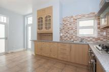 2 bed Flat to rent in Lansdowne Road...