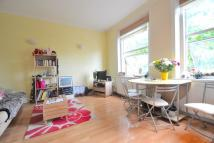 Flat to rent in Finchley Road, London...