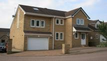 5 bedroom Detached home in Manor Park, Shaw Cross...
