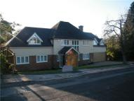 5 bed Detached house to rent in Manor Close...