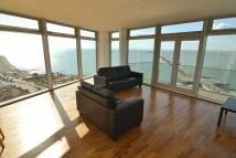Apartment to rent in Spacious Three Bedroom...