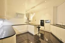 5 bedroom Flat in Cromwell Mansions...