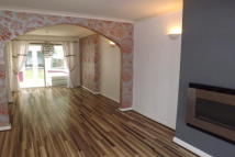 3 bedroom house to rent in Wiseacre Croft, Shirley...