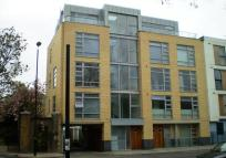 2 bedroom Apartment in Southgate Road, London...