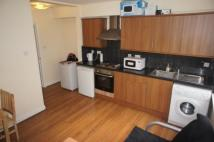 Flat to rent in Middlesex Street, London...