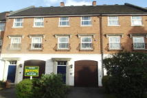 3 bedroom Terraced home to rent in Courtlands Close...