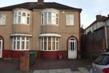 4 bed semi detached property to rent in Verdun Road, London, SE18