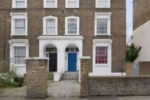 3 bedroom Flat to rent in Dalston Lane, Hackney, E8