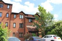 Flat to rent in Burbage House, Deptford