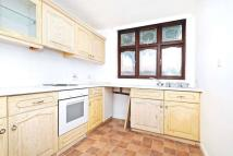 2 bed Bungalow to rent in Hall Lane, Chingford