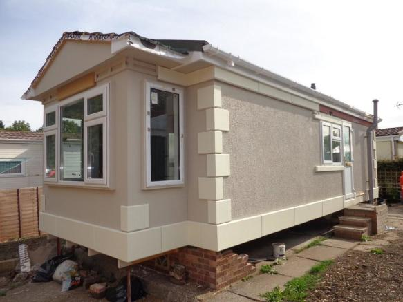 bedroom mobile home for sale in allington lane west end so30
