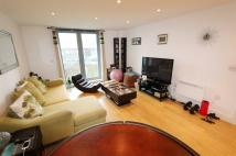 2 bedroom Flat in 19 Whytecliffe Road...