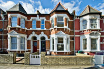 Terraced house for sale in Lakeside Road...
