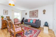 Flat to rent in Blythe Road, London, W14