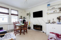 2 bedroom Flat to rent in Sterndale Road...