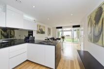 4 bedroom Terraced house in Bromyard Avenue, Acton...