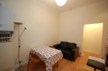 2 bedroom Flat in Askew Road, London, W12