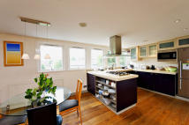 Cromwell Grove Flat for sale