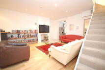 2 bedroom Maisonette to rent in Blythe Road, London, W14