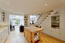 4 bed Terraced property for sale in Caithness Road...