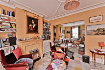 4 bed Terraced property in Bolingbroke Road...