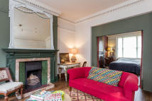 Studio apartment for sale in Addison Gardens, London...