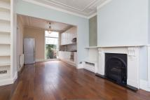 Ground Flat to rent in Hadyn Park Road, London...