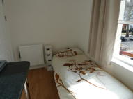 Studio flat to rent in Shepherds Bush Road...