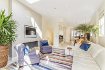 5 bedroom End of Terrace property in Sterndale Road, London...