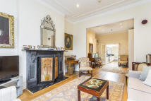 5 bedroom Terraced house for sale in Sterndale Road, London...