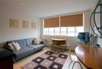 2 bedroom Flat in Roland House...