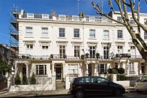 Flat for sale in Clarendon Gardens...
