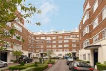 3 bedroom Flat in Stockleigh Hall...