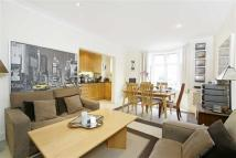 2 bed Flat in William Court, Hall Road...