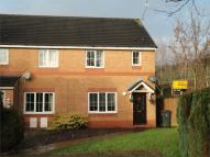 3 bed semi detached house in 26 Heol Llinos...