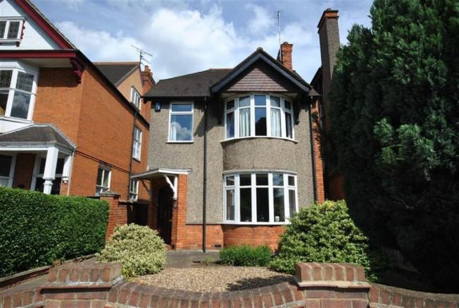 3 Bedroom Detached House For Sale In Queens Park Parade Kingsthorpe Northampton Nn2 Nn2