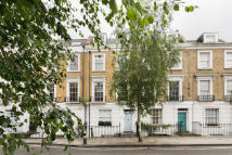 4 bed semi detached house in Camden TO LET