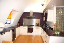 Penthouse to rent in Barbican TO LET
