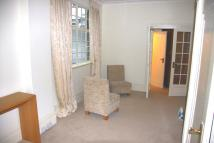 Ground Flat to rent in St John's Wood TO LET