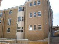 Flat to rent in Cross Street, Ryde...
