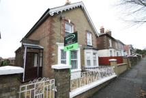 3 bedroom property to rent in Victoria Grove, E.Cowes...