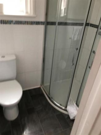 upstairs shower room.jpg