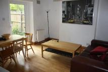 Flat to rent in LOWFIELD ROAD...