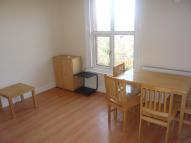 3 bed Flat to rent in CRESCENT ROAD, Finchley...