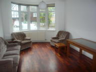 Flat to rent in NORTH END ROAD...