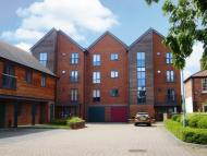 Apartment to rent in The Wharf, Morton